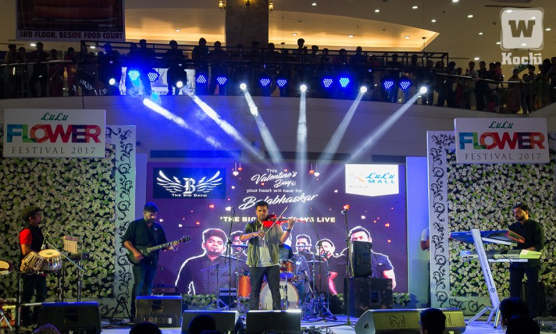 Balabhaskar creates musical magic at LuLu Mall