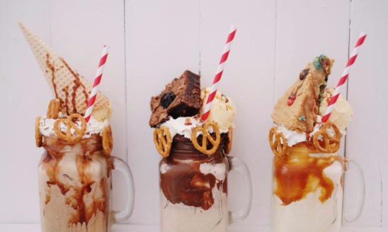 Places Where You Can Get These Instagram #Foodtrends In Kochi Ft. #freakshakes and #RollIcecream
